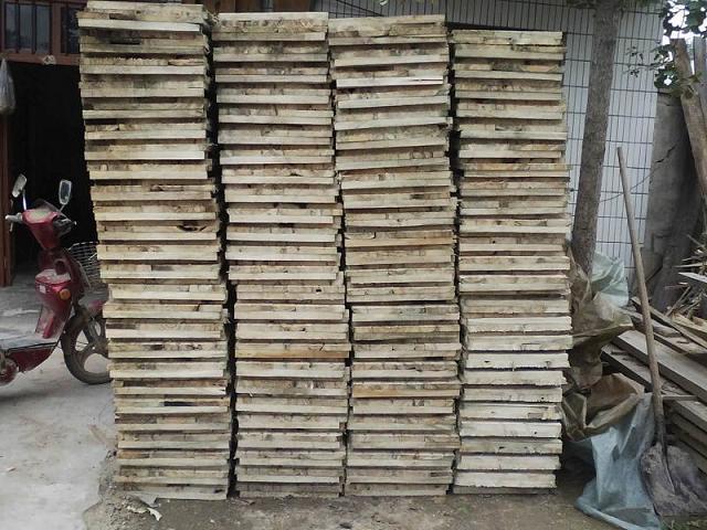 重庆妙香木制工艺品厂专业生产: 1,仿古木制中,欧式亭子,木制花架