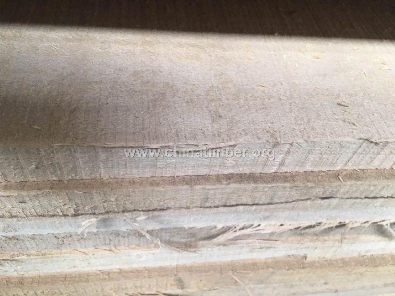 木材材性:光泽强;纹理直;结构细,均匀;重量轻;硬度软;加工容易,含硅石,单板刨切旋切性能佳;胶黏性能良好;钉钉容易;耐腐,干燥快,无缺陷 木材用途:适用于家具、包装箱、木门、乐器、轻型构件、木模、旋切单板、胶合板、细木工制品等。是最主要的胶合板旋切用材。 张家港市快乐木业有限公司成立于2013年,位于全国最大的进口木材交易,加工集散地--江苏省张家港市。公司从事原木及其制品的经营和加工,三个车间占地面积162亩,拥有自己的码头泊位和专业装卸队伍,日生产原木1200立方,进口直销非洲、东南亚、拉丁美洲、缅