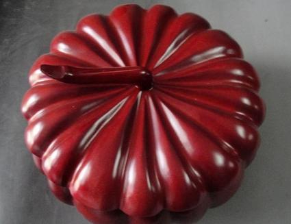 红木工艺品热销:消费者购买需谨慎